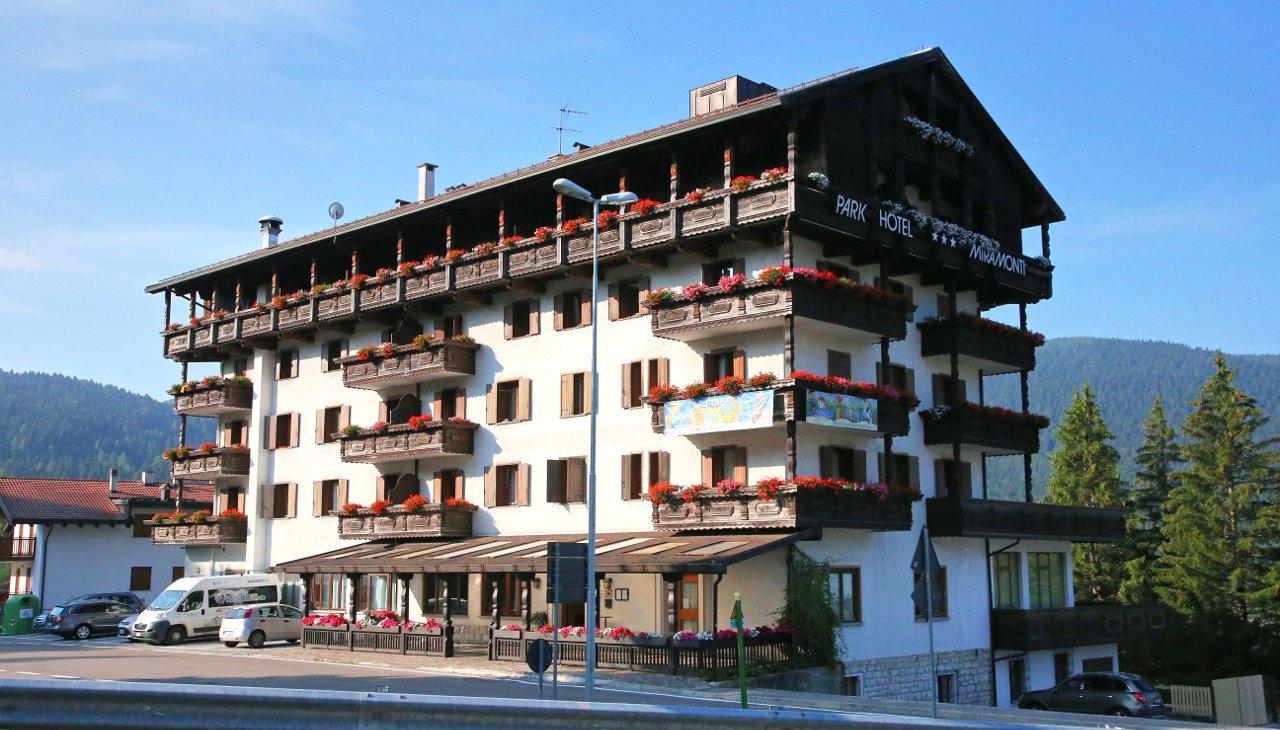 hotel-miramonti-folgaria-esterno