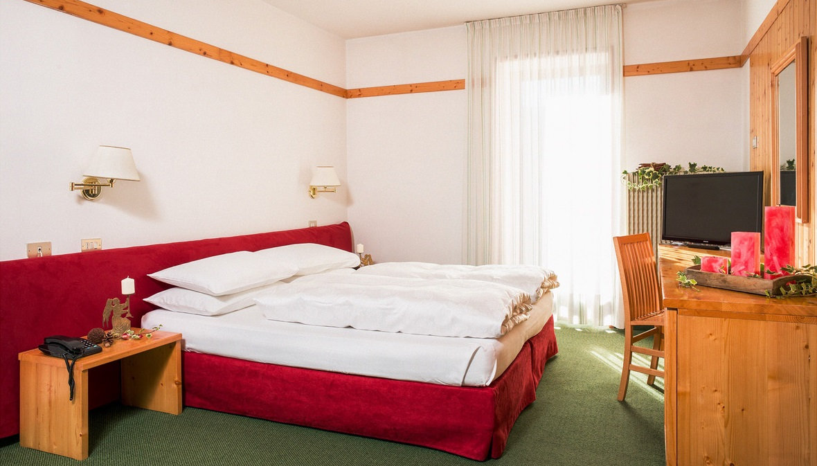 hotel-stella-italia-folgaria-camera-matrimoniale
